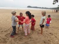 Förskolan lek på strand 2
