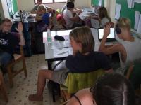 Åk 6-9 Bangkok jobbar i klassrummet