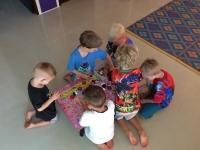 Samarbete, barnen har gjort Bayblade PlusPlus