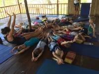 Nåck och Tao besöker oasis yoga.