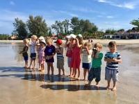 Barnklubben skapar kikare och söker efter kapten enöga skepp