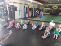 Lomaa testar på Thaiboxning