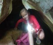 Thaitema djungelutflykt grotta 2