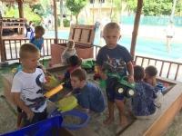 Full aktivitet i sandlådan
