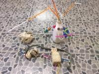 Förskolan har skapat en robot med hjälp av återvinningsmaterial.