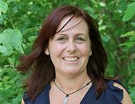 Annelie Söderlund är Ma/No lärare från Bromma. Hon har lång erfarenhet av läraryrket och brinner lite extra för att skapa bra lärmiljöer. Hon arbetar mycket med formativ bedömning och är bra på att se både individen och gruppen. På fritiden trivs hon med att ta hand om sin hälsa och bara njuta av god mat och rofyllda yogapass. Annelie kommer att arbeta tillsammans med årskurs 7-9 från november till mars.